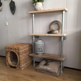 Kleine stellingkast van gebruikt steigerhout geleverd in Veenendaal