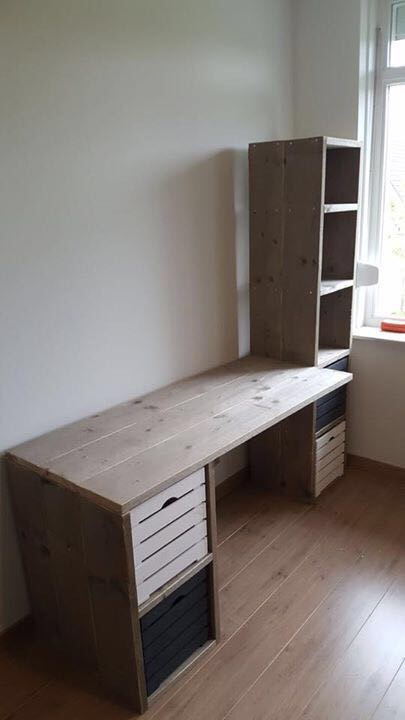 Kinderkamer Arnold Steigerhouten Bed Bureau En Kledingkast