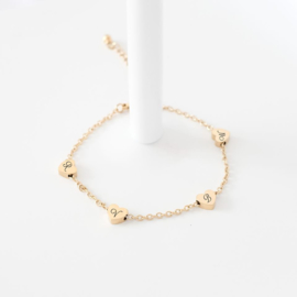 Hartjes armband graveren | Letters armband | Goud