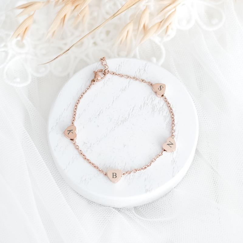 Hartjes armband graveren   Initiaal   Rosé