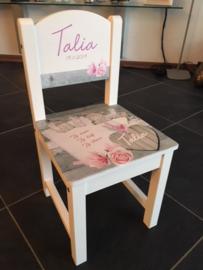 Stoeltje van geboortekaart voor Talia