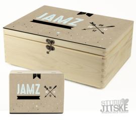 Houten geboortedoos van geboortekaartje van Jamz