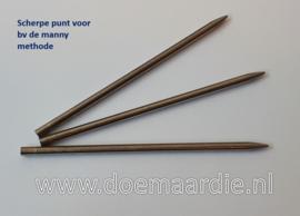 Paracord naald 1,7 mm binnen, 3 mm buiten. (type 1) scherpe punt.
