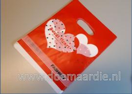 Plastic cadeau tasje, sweet heart. 20 bij 15 per 50.