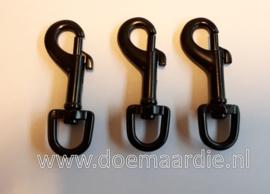 Musketon zwart, ronde wartel. 55 mm. Vanaf 70 cent.