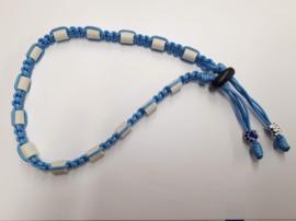 Tekenhalsband baby blauw,  45 cm.