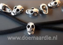 Skull, schedel, doodshoofd, horizontaal gat.