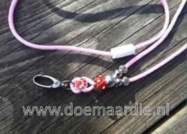 Keycord roze, rood.
