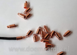 Metalen koord eind met oogje. rose gold,  3,5 mm. Per 20