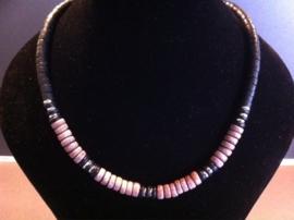Houten halsketting met draaisluiting