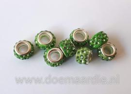 Grootgat kraal, strass, polymeer, groen.