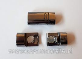 Gun metal metalen magneetsluiting.