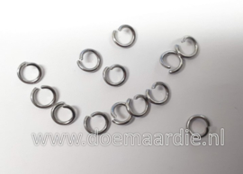 Montage ringetje, RVS. binnenmaat 4,0 mm (+/- 95 stuks).