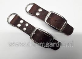 Adapter 25 mm, Buffel leer, motief warm rood bruin, 2 of 4 holnieten