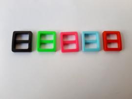 Schuifgesp, zwart, rood, blauw, roze groen. 17 mm, per 10.