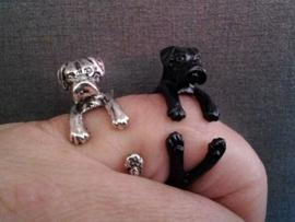 Boxer ring,  zwart of zilverkleur.