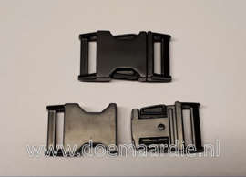 Buckle black metal, klikgesp, 25 mm doorvoer.  200 kilo breekkracht.