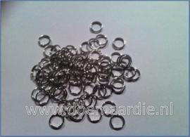 Split ringetje, dubbele ringetje, nikkel zilverkleur. 7/8mm. (ong.100)