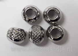 RVS stopper kralen, 6 bij 8 mm, gat 4 mm.