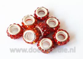 Grootgat kraal, strass, polymeer, rood.