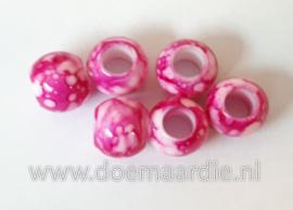 Kraal, verschillende tinten fuchsia roze. Per 20.