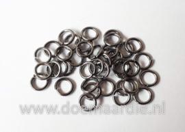 Montage ringetje, black nickel. binnenmaat 3,5 mm (+/- 145 stuks).