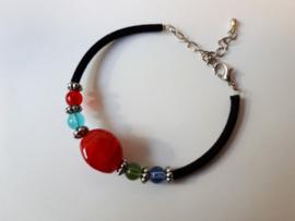 Armband kralen, glas rond vierkant gebogen murano rood