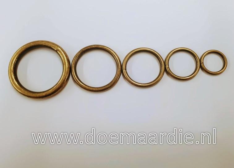 Antiek  messing O ring. Binnenmaat 25 mm. 3,5 mm dik
