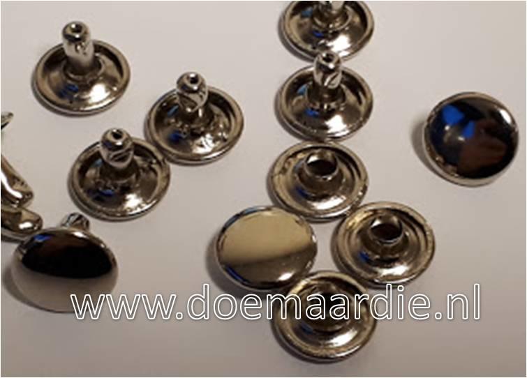 Holniet, silver, 12 mm bij 11. Per 100 paar.