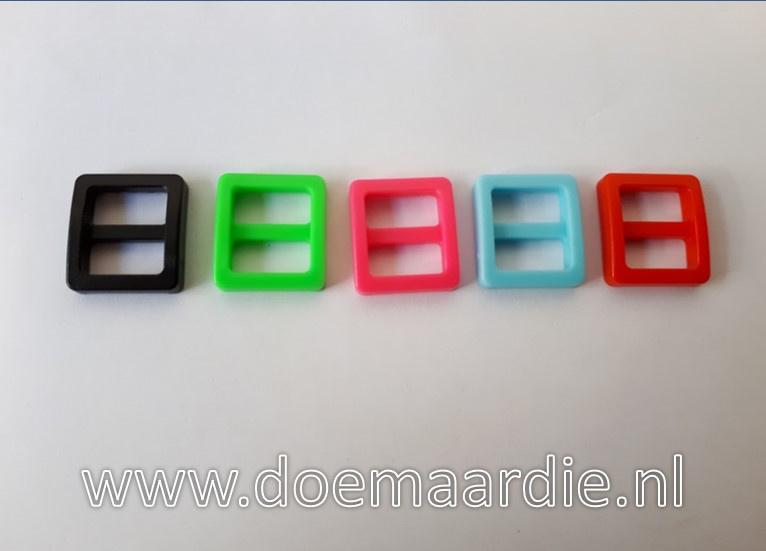 Schuifgesp, zwart, groen, rood, blauw en roze. 20 mm, per 10.