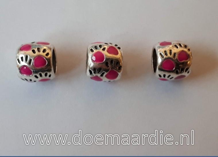 Pootjes, gekleurd, ronde vorm. Fuchsia roze, vanaf 45 cent.