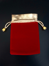 Fluwelen cadeauzakje rood met goud 10x12cm
