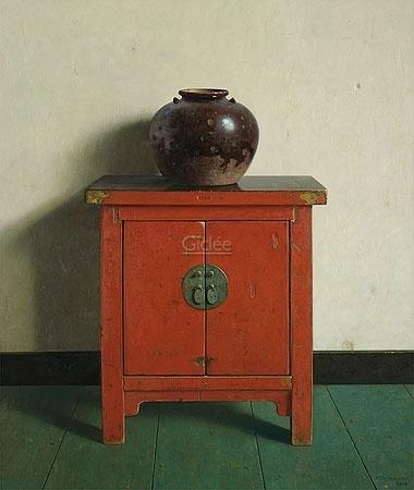 Chinese pot op rode kast