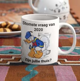 Mok  met tekst en Donald Duck: Stomste vraag van 2020