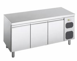 474600400502 - BKT-M 3-800 Patisserie koelwerkbank,  bedrijfsklaar model met 3 deuren corpushoogte: 850 mm, diepte: 800 mm voor Euronorm 600 x 400 mm NORDCAP