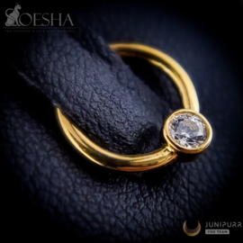 Yellow Gold Fixed Ring With High Quality Cubic Zirconia Gem