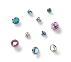 Faceted bezel set gem on flat end