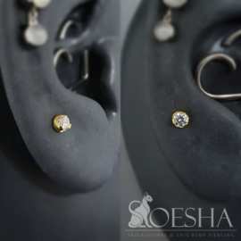 Anatometal 18k solid yellow gold prong set brilliant cut round white cubic zirconia