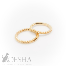 Fine Twisted Click Ring Gold