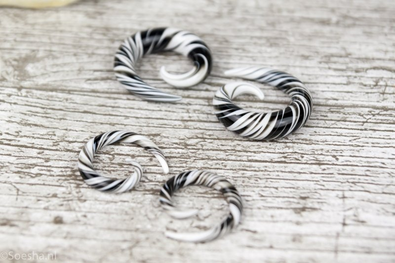 Pyrex Glass Spiral Zwart Wit