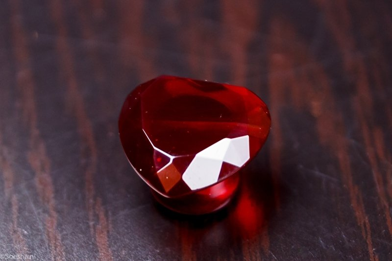 Red Glass Faceted Heart Plugs (Pair)