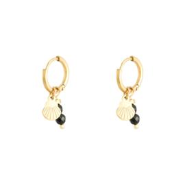 Oorbel schelp + parels zwart/goud