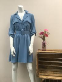 Kleed effen + ceintuur jeansblauw
