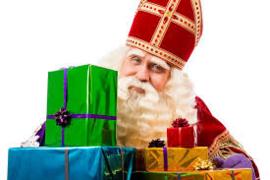 Inpakken in Sinterklaaspapier met label