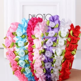 Nieuw Diadeem kant met bloemen