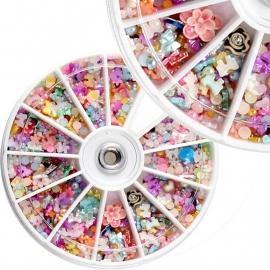 Carrousel met diverse nail art