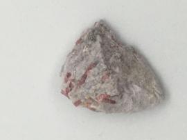 Rubelliet in lepidoliet (42)