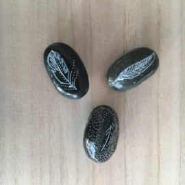 Spirit Stones Drie Veren