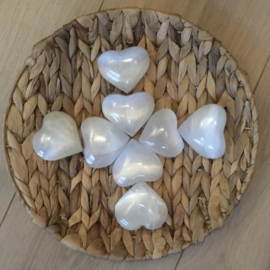 Selenite heart: an angel caller