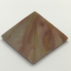 Piramide van polychroom jaspis 2